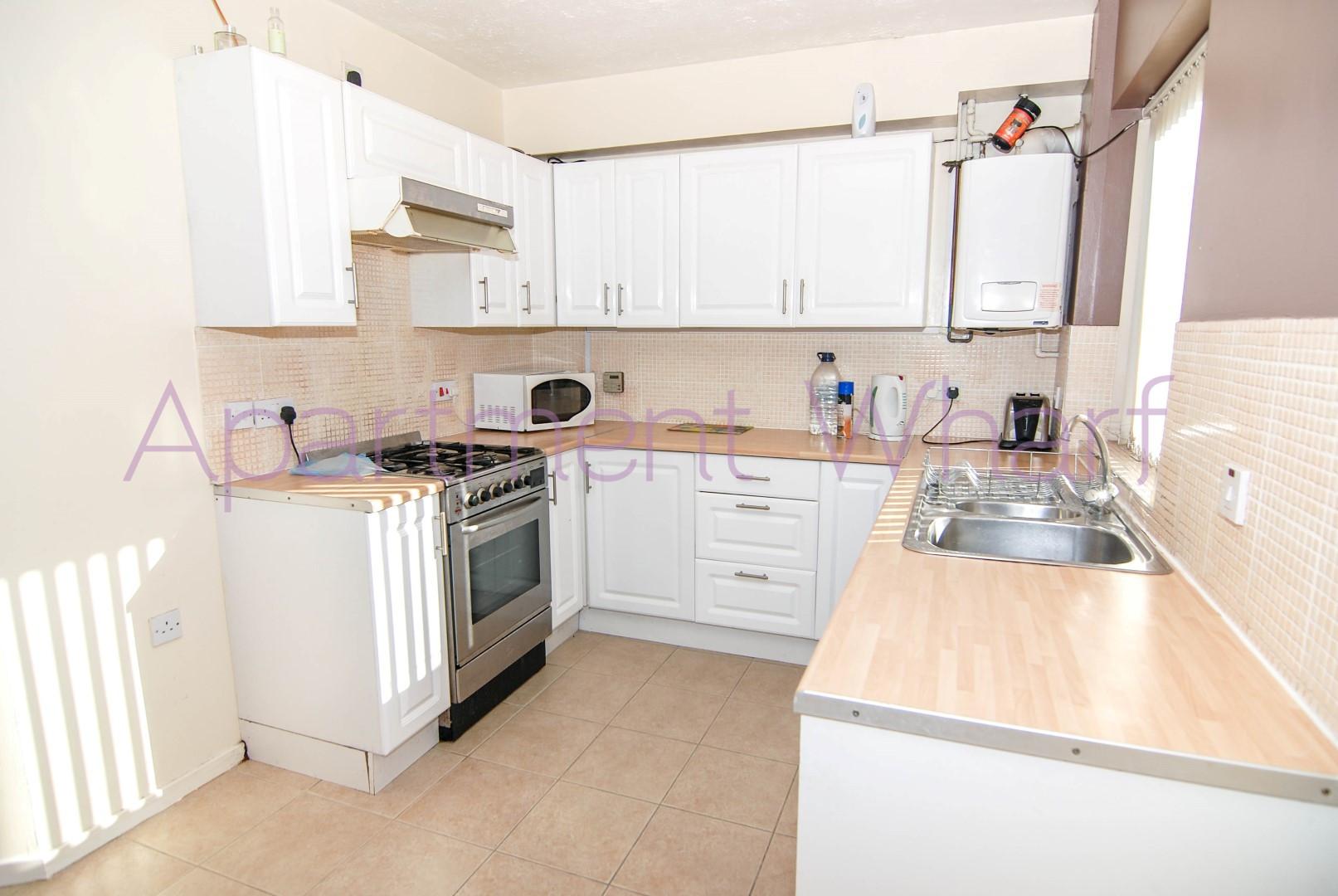 kitchen (2) (Large).jpg