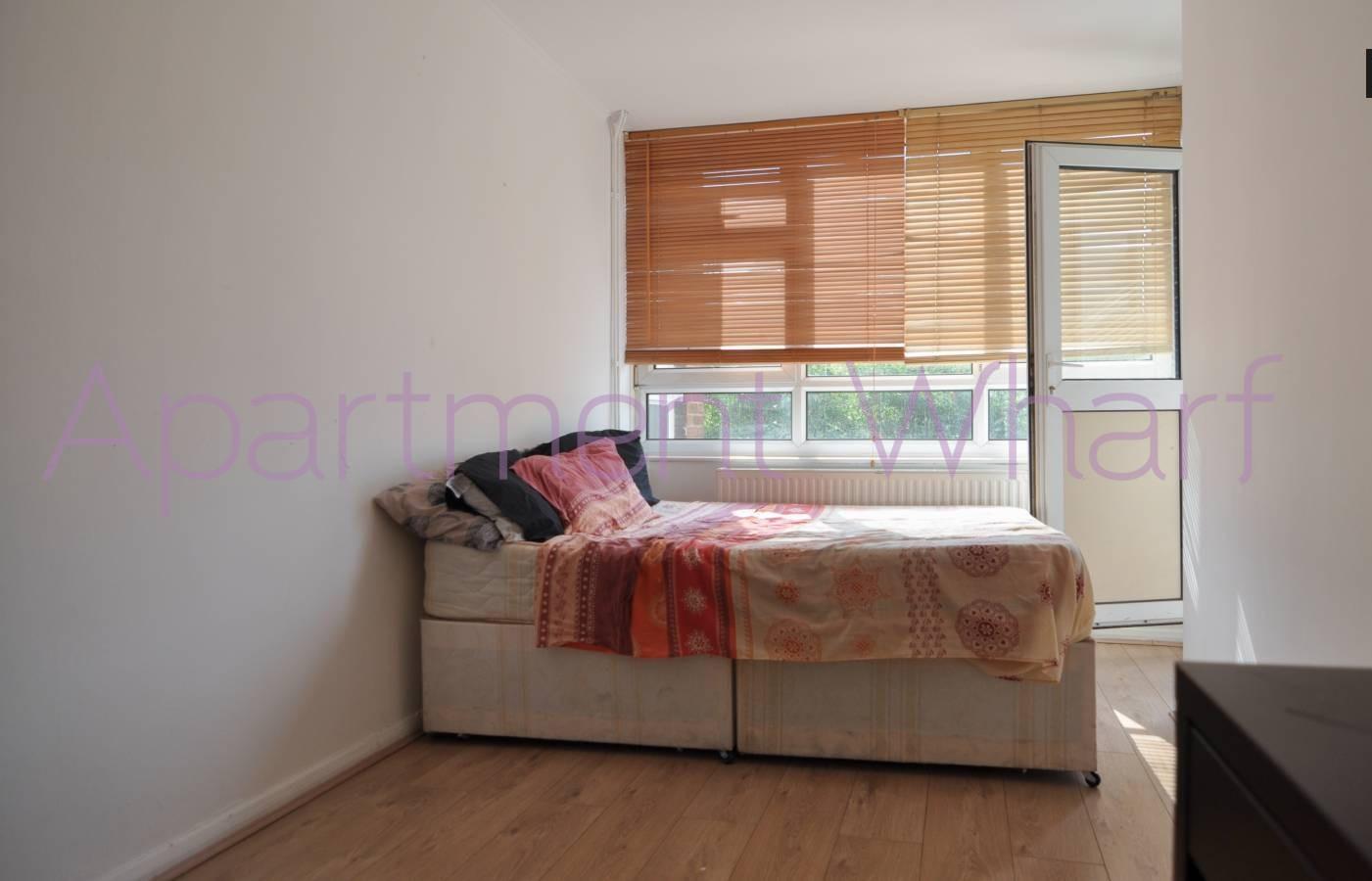 Room D (2).JPG